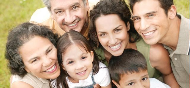 latino-family