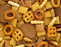 250px-Chex-Mix-Pile